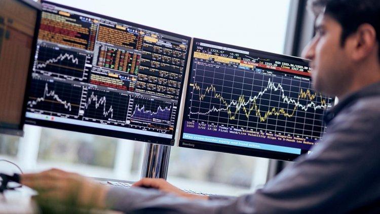 Банкам с базовой лицензией разрешат сделки с бумагами из первого уровня листинга