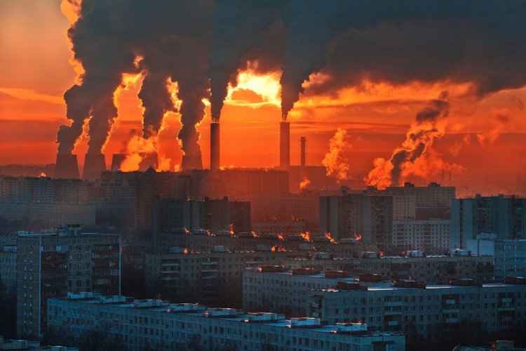 На кого распространяется Закон об ограничении выбросов парниковых газов?
